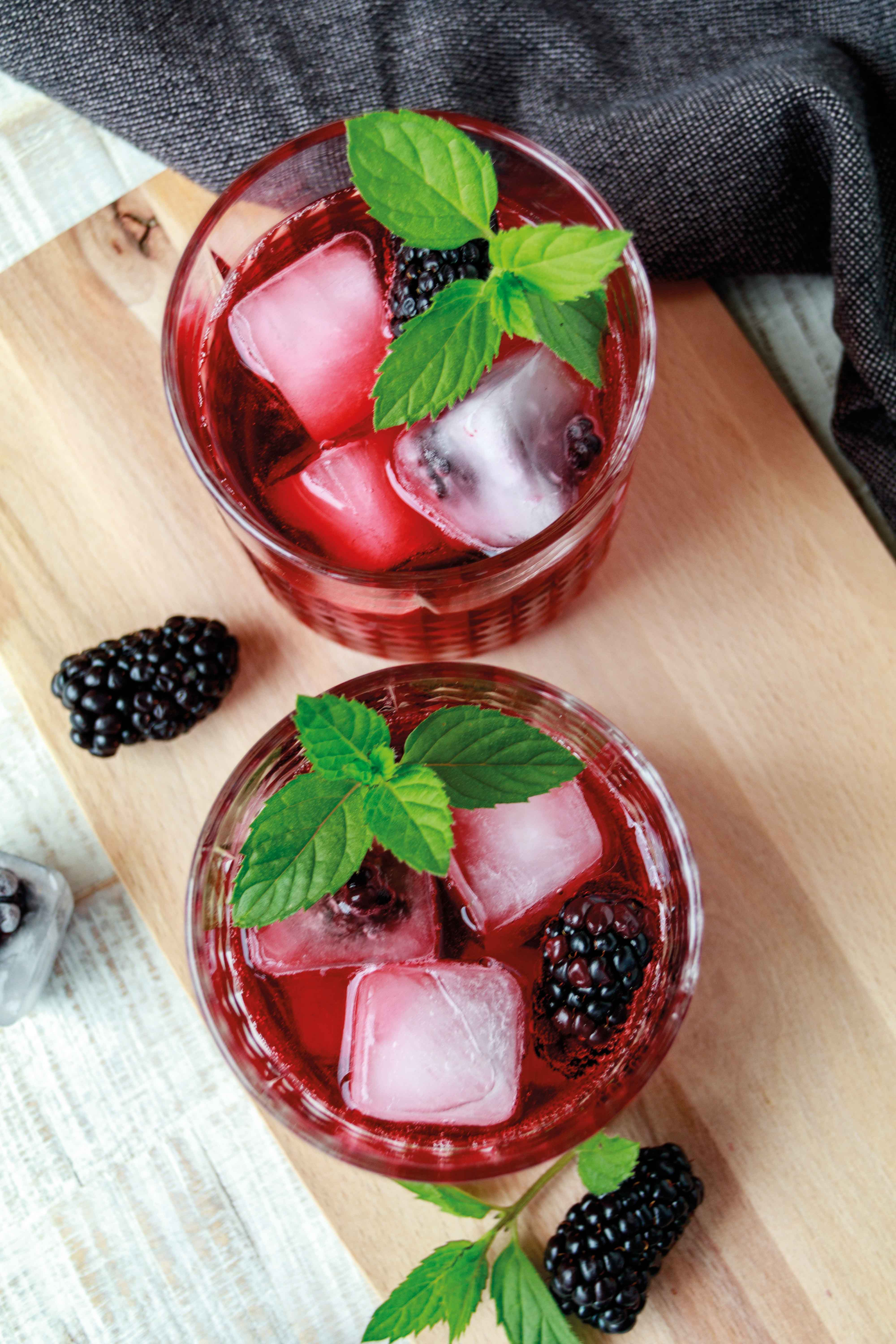 Berry Cooler mit Brombeeren // Berry Cooler with Blackberries by http://babyrockmyday.com/berry-cooler/
