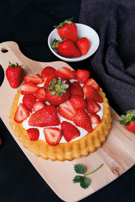 Blitzschneller Erdbeerkuchen für den Notfall // Strawberry Cake By http://babyrockmyday.com/blitzschneller-erdbeerkuchen/