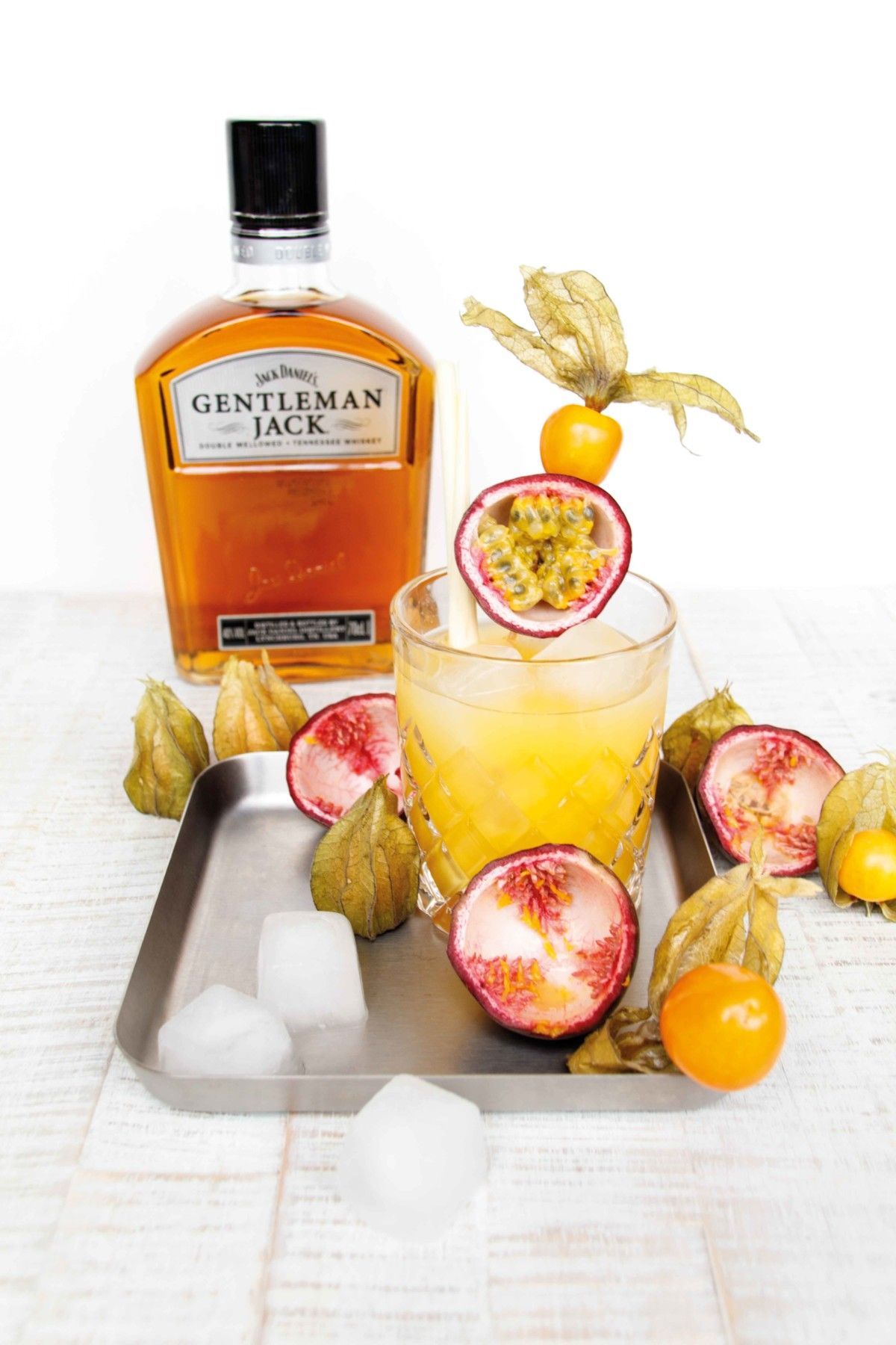 Whiskey Sour Summer Cocktail by http://babyrockmyday.com/whiskey-sour-summer-cocktail/