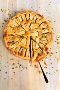 Zitroniger Apfelkuchen mit Polenta // Lemon Apple Cake with polenta by http://babyrockmyday.com/zitroniger-apfelkuchen-mit-polenta/