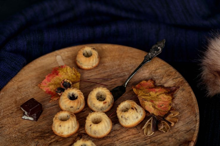 Mini Marzipan Schoko Gugel // Marzipan Bundt cake by http://babyrockmyday.com/mini-marzipan-schoko-gugel/