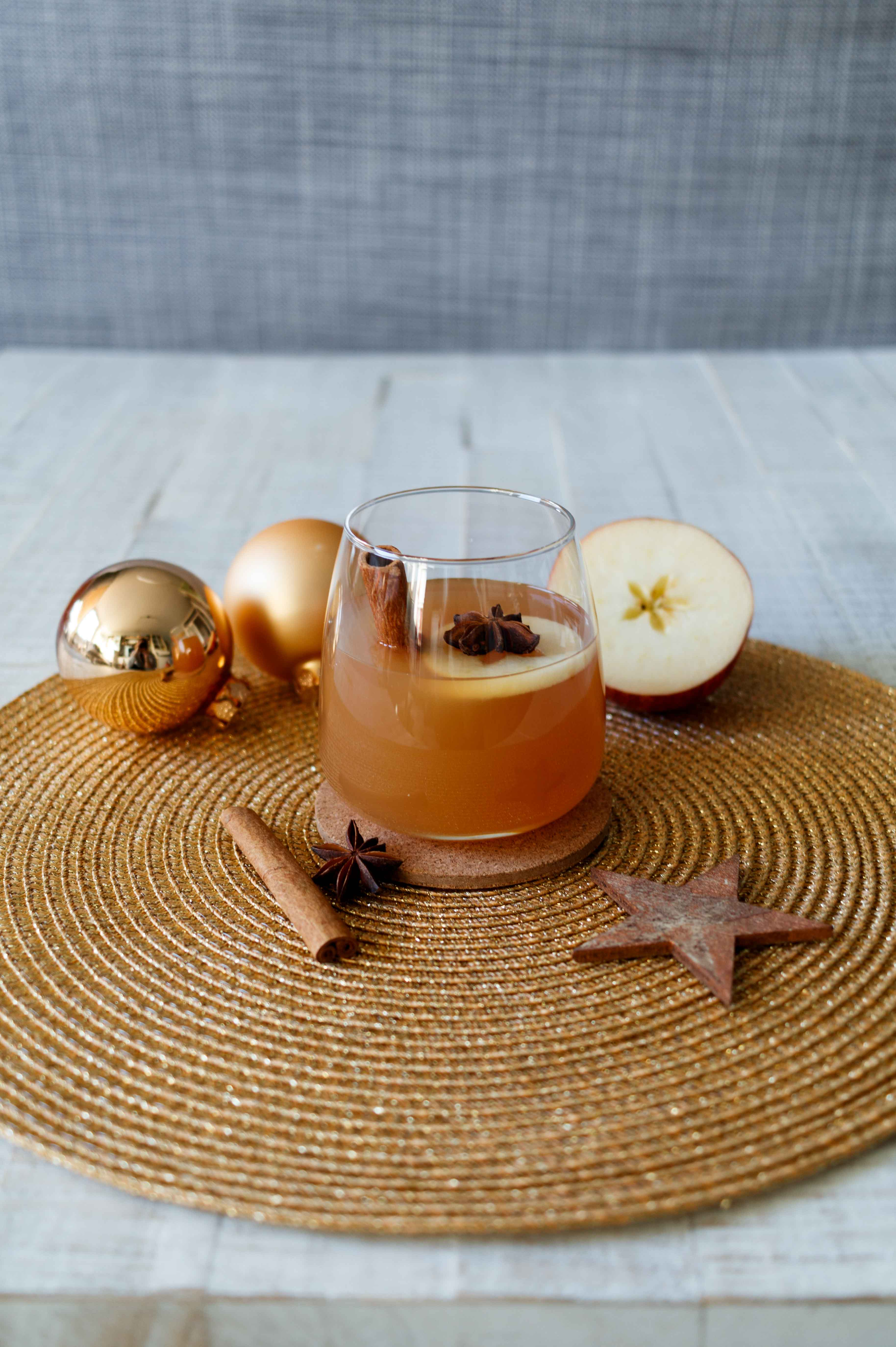 Tipps für Weihnachten: Warmer Apfelpunsch // Apple Punch by  http://babyrockmyday.com/apfelpunsch/
