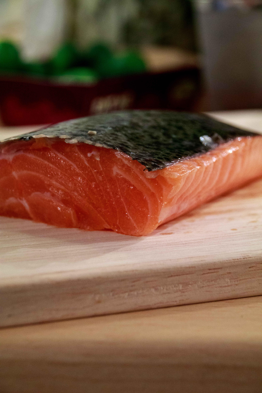 Schottischer Lachs mit Chili und Salz oder das ganz andere (Vor)Weihnachtsessen // Scottish Salmon with chili and salt by http://babyrockmyday.com/lachs-mit-chili-und-salz/