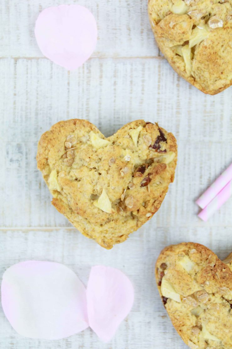 Scones zum Valentinstag mit Apfel und Haferflocken -laktosefrei // Lactose free Scones for valentines Day with Apple and oats by http://babyrockmyday.com/valentinstag-scones/