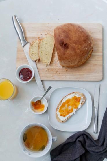 Tipps für Ostern: Frühstücksbrot frisch aus dem Ofen // Sweet Bread by http://babyrockmyday.com/fruehstuecksbrot/