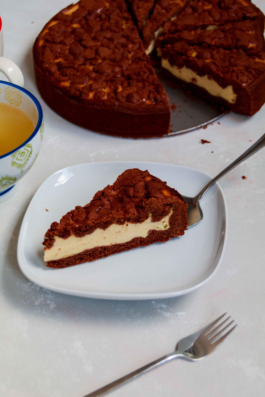 Russischer Zupfkuchen // russian chocolate cheesecake by http://babyrockmyday.com/russischer-zupfkuchen/