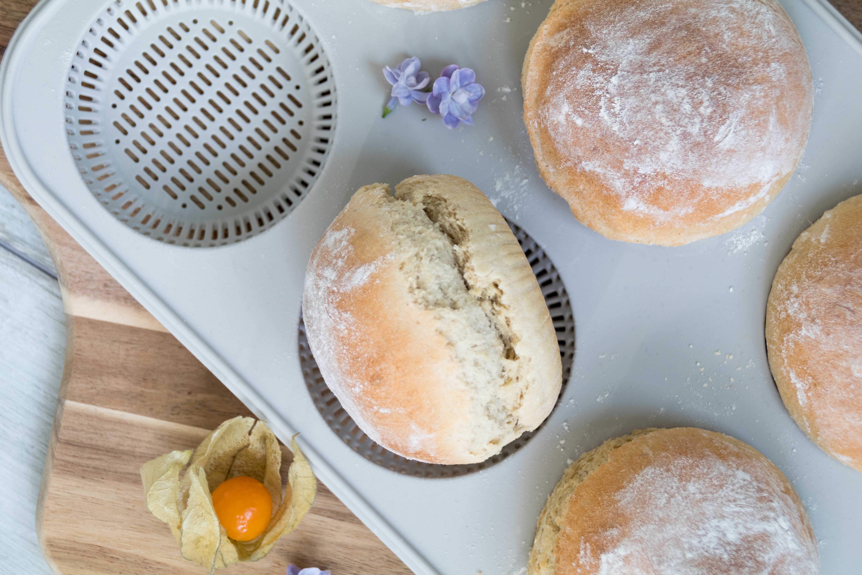 Blitzbrötchen für euren Frühstückstisch // Quick and easy breakfast buns by http://babyrockmyday.com/blitzbroetchen/