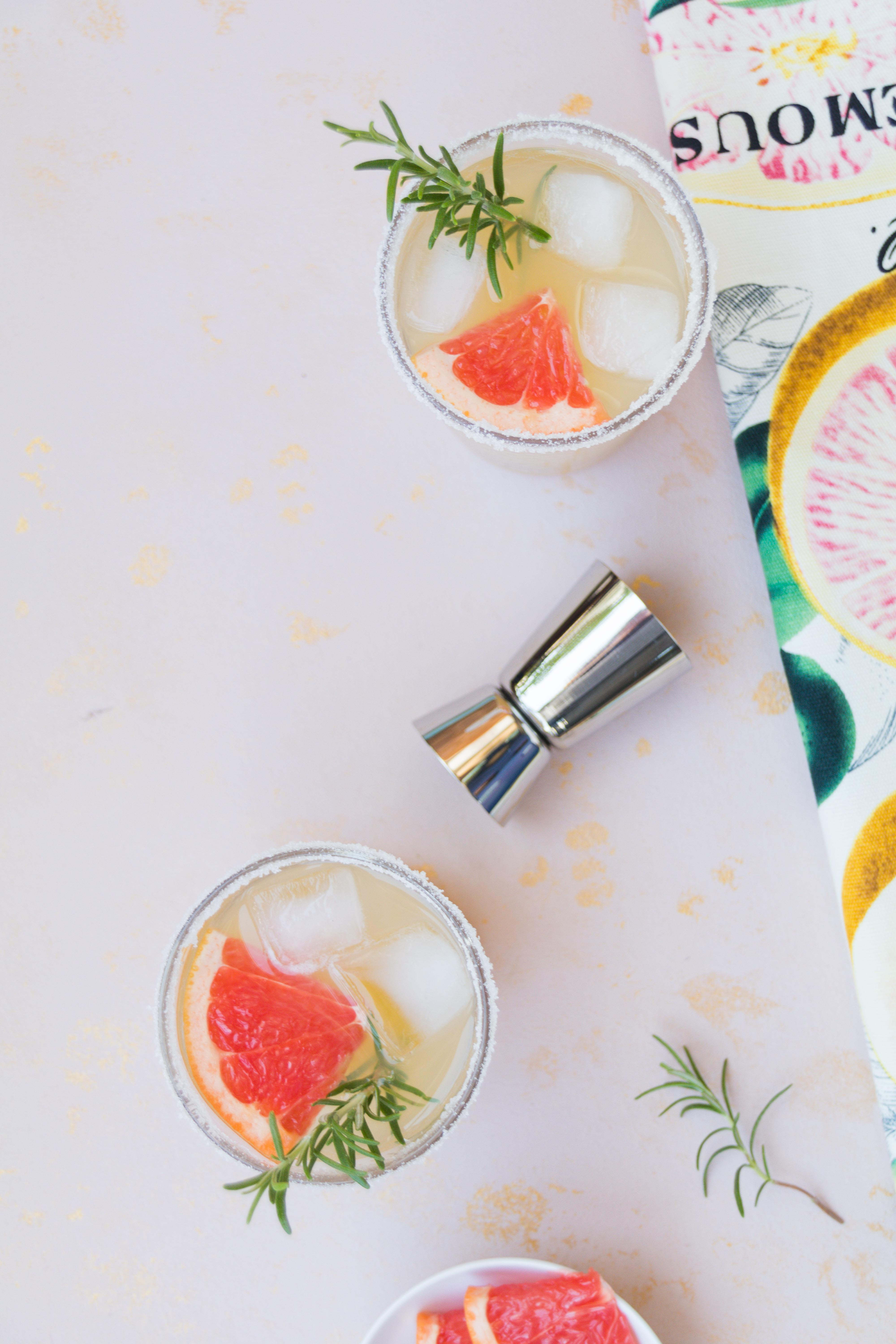Ginger Rogers Cocktail mit Gin Ginger Rogers Cocktail mit Gin und Grapefruit // Ginger Rogers Cocktail with Gin and Grapefruit by http://babyrockmyday.com/ginger-rogers