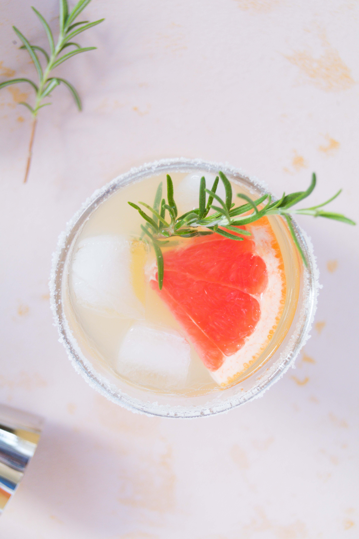 Ginger Rogers Cocktail mit Gin und Grapefruit // Ginger Rogers Cocktail with Gin and Grapefruit by http://babyrockmyday.com/ginger-rogers