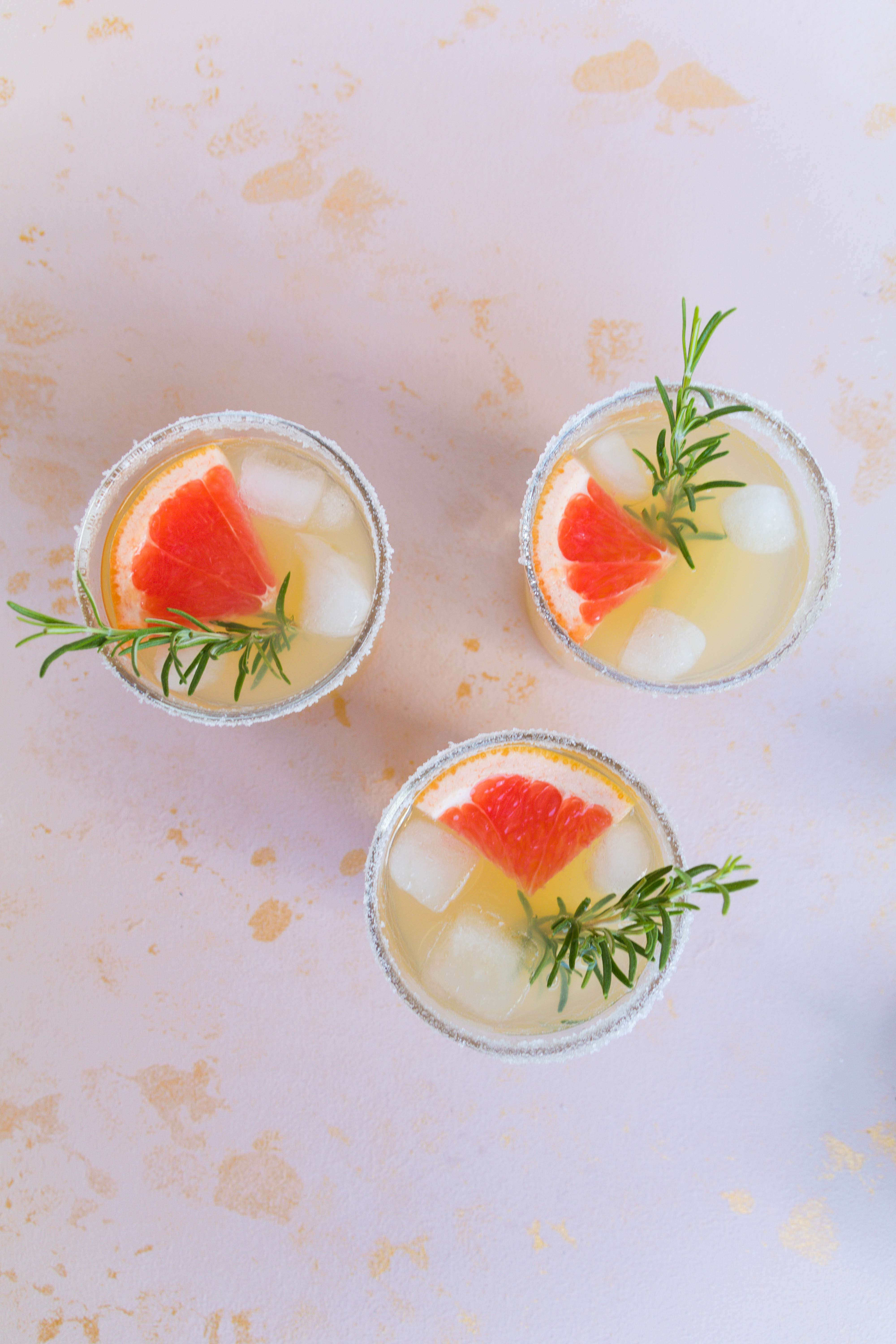 Ginger Rogers Cocktail mit Gin und Grapefruit // Ginger Rogers Cocktail with Gin and Grapefruit by http://babyrockmyday.com/ginger-rogers