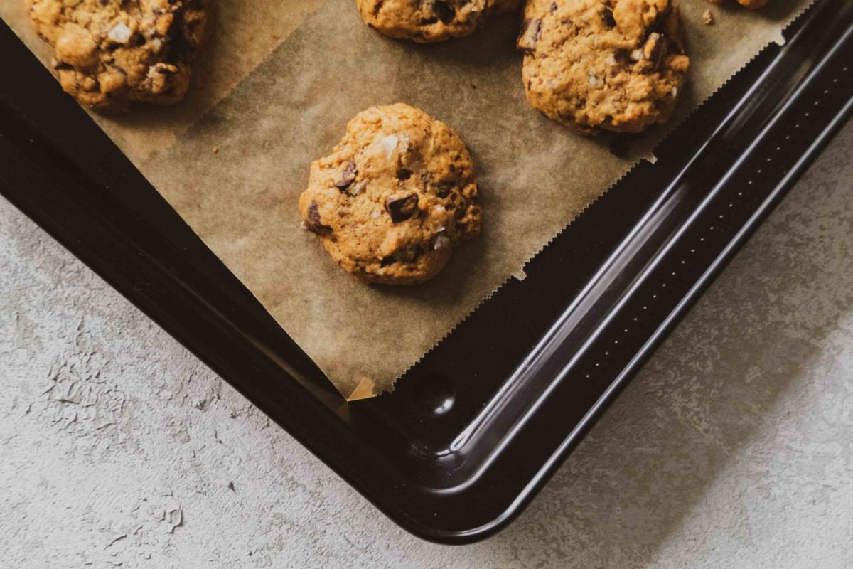 Vegane Chocolate Chip Cookies // Vegan Chocolate Chip Cookies by http://babyrockmyday.com/vegane-chocolate-chip-cookies/ #vegan #chocolatechipcookies #cookies