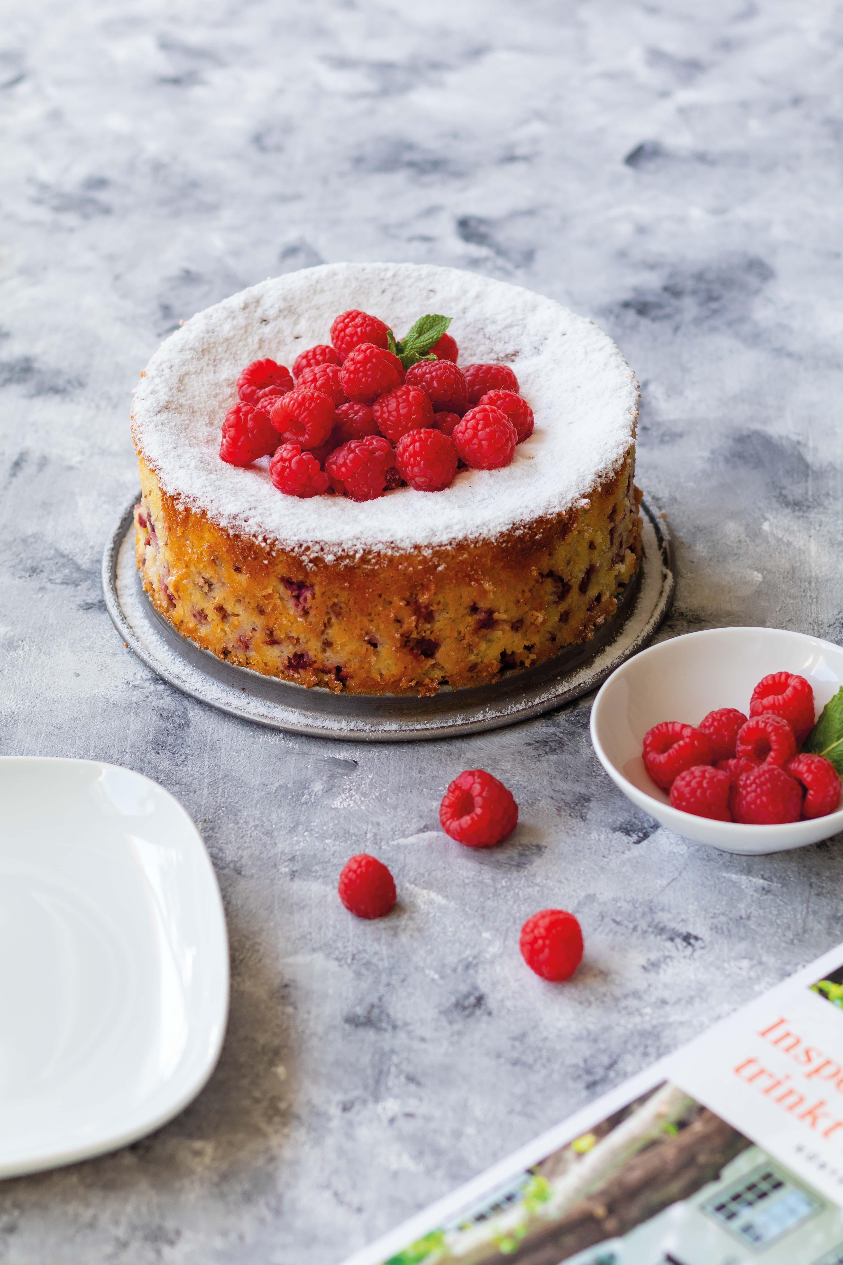 Mandel Himbeer Kuchen // Almond Raspberry Cake by https://babyrockmyday.com/mandel-himbeer-kuchen/