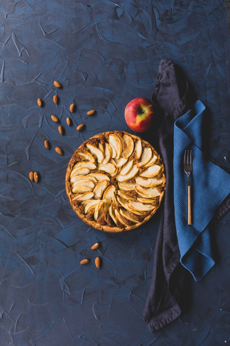 Apfel-Mandel-Kuchen mit Zimt // apple almond cake with cinnamon by https://babyrockmyday.com/apfel-mandel-kuchen/