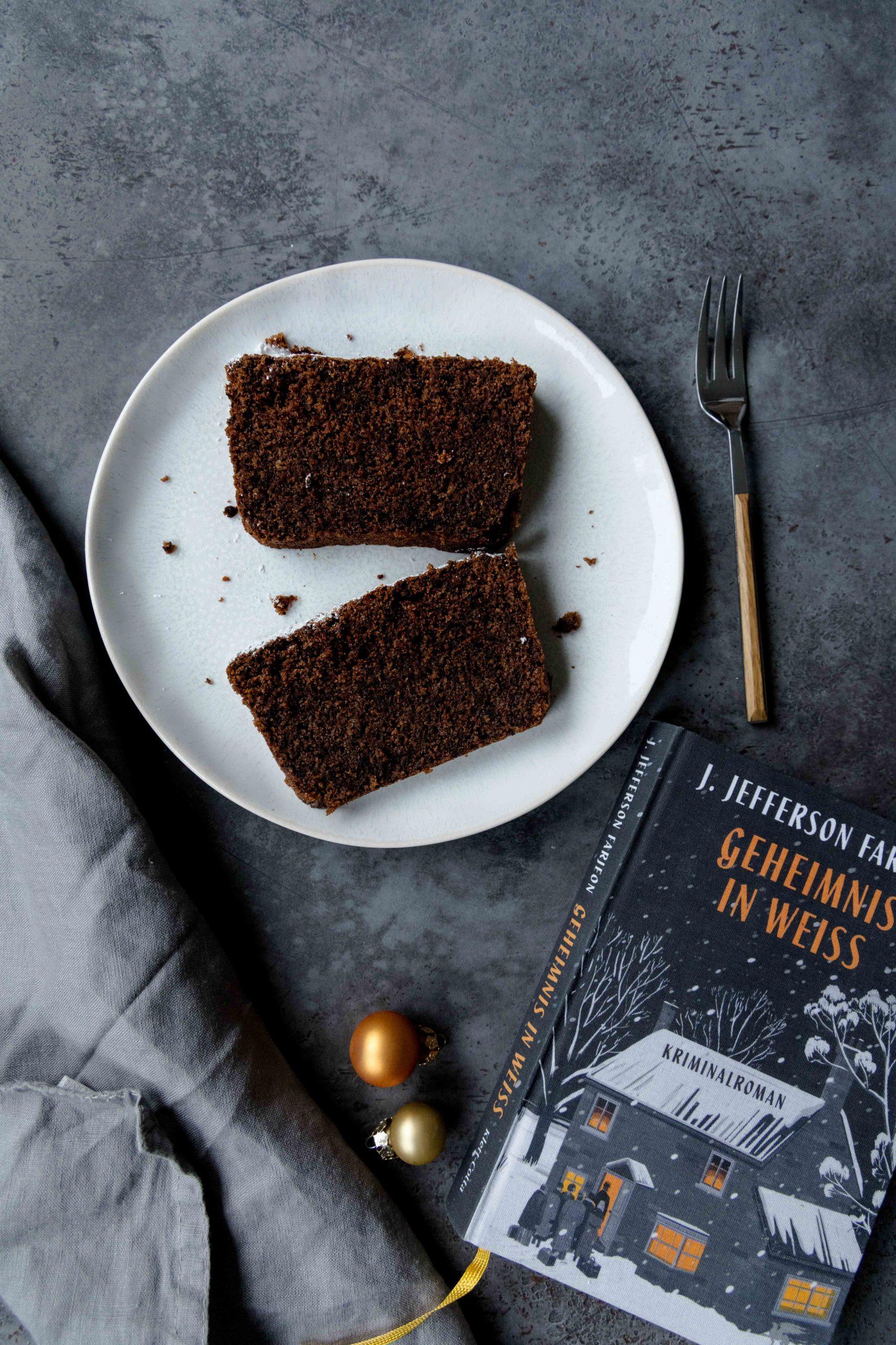 Tipps für Weihnachten: Rotweinkuchen mit Schokolade / Red wine chocolate cake by https://babyrockmyday.com/rotweinkuchen/