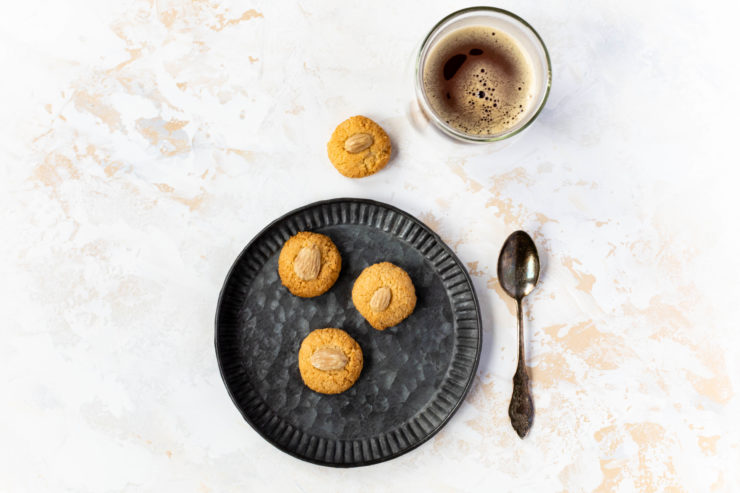 Amarettini selber machen // Amaretti Biscuits by https://babyrockmyday.com/amarettini/