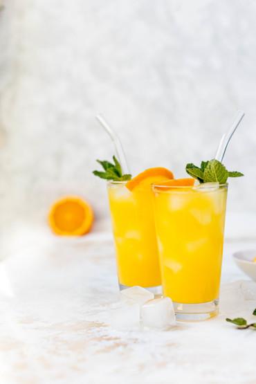 Orange Crush Cocktail mit Wodka und Minze // Orange Crush Cocktail with vodka and mint by https://babyrockmyday.com/orange-crush-cocktail/