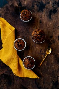 Kürbis-Muffins mit Schokotropfen und Pumpkin Spice // pumpkin muffins with chocolate chips by https://babyrockmyday.com/kuerbis-muffins/