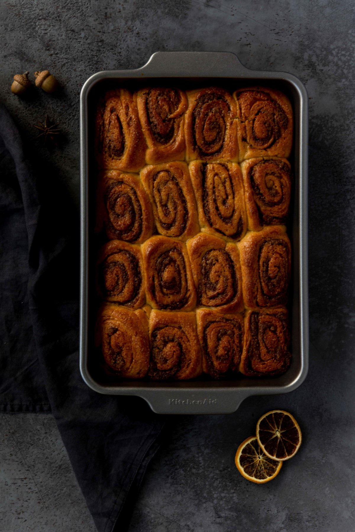 Zimtschnecken mit Nutella-Orangen-Füllung // Cinnamon Rolls with nutella and orange by https://babyrockmyday.com/zimtschnecken-mit-nutella-orangen-fuellung/