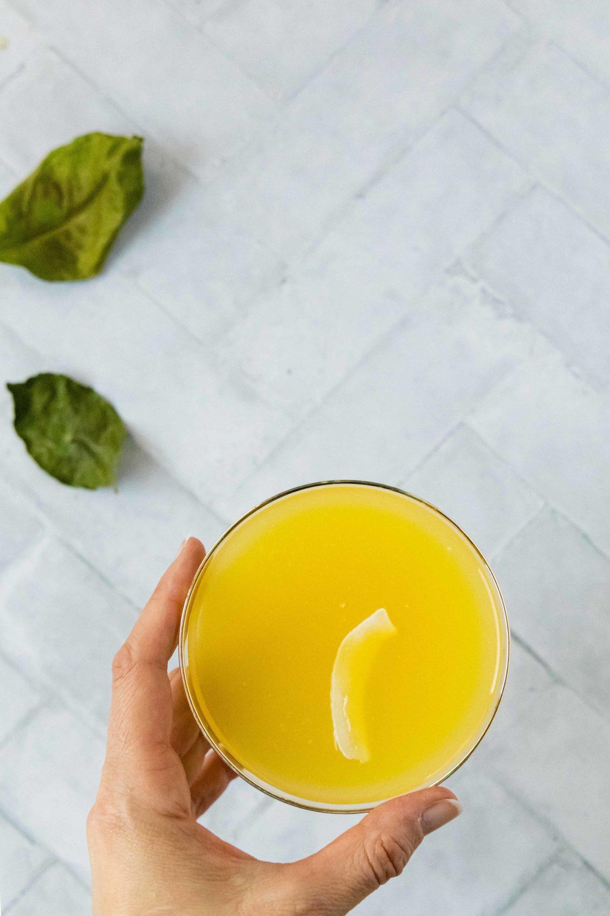 Malibu Kokosnuss Cocktail // Malibu Coconut and Orange Cocktail by https://babyrockmyday.com/malibu-kokosnuss-cocktail/