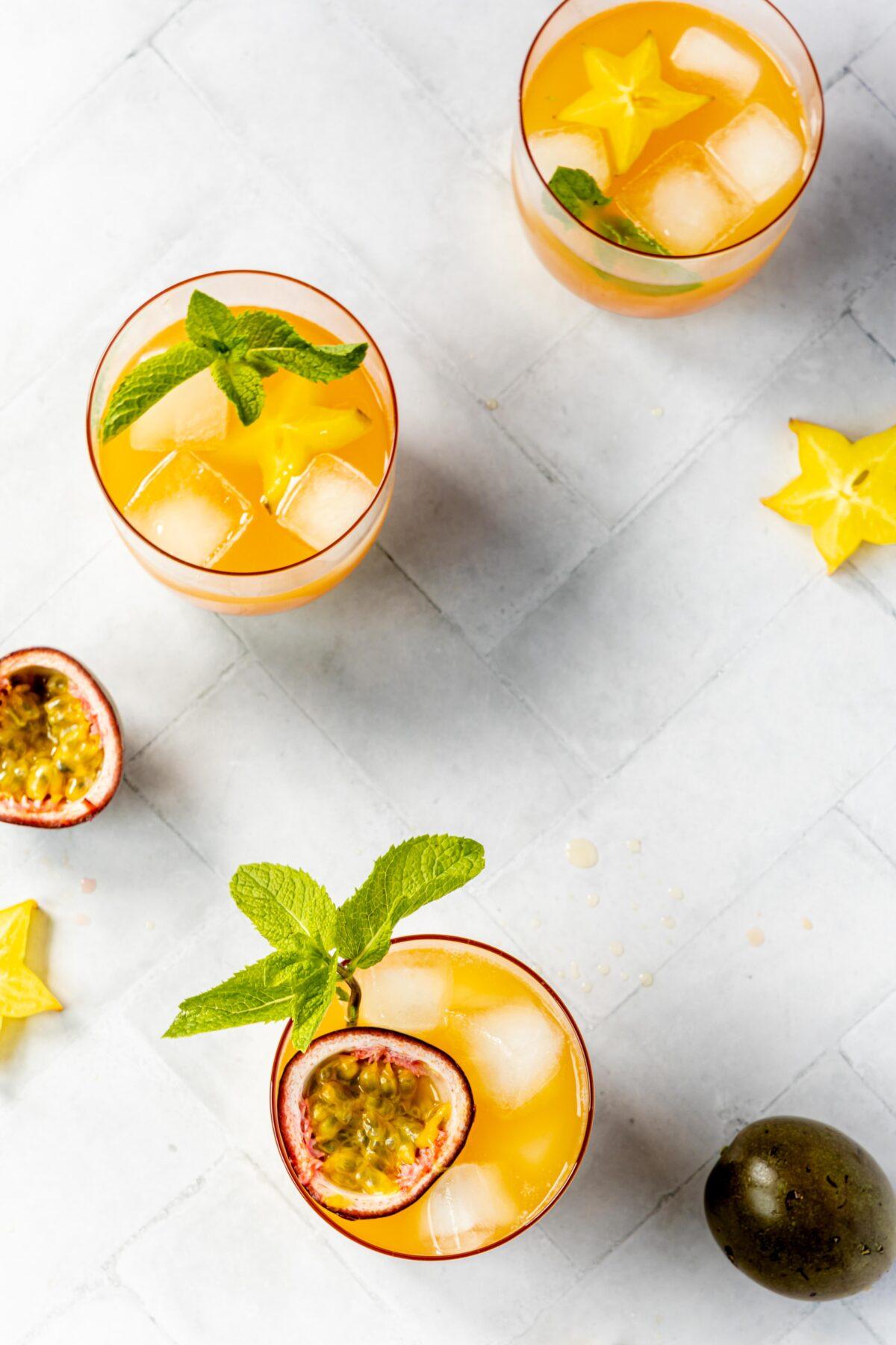 Maracuja Kokos Drink // Summer Coconut and passion fruit Drink by https://babyrockmyday.com/maracuja-kokos-drink/