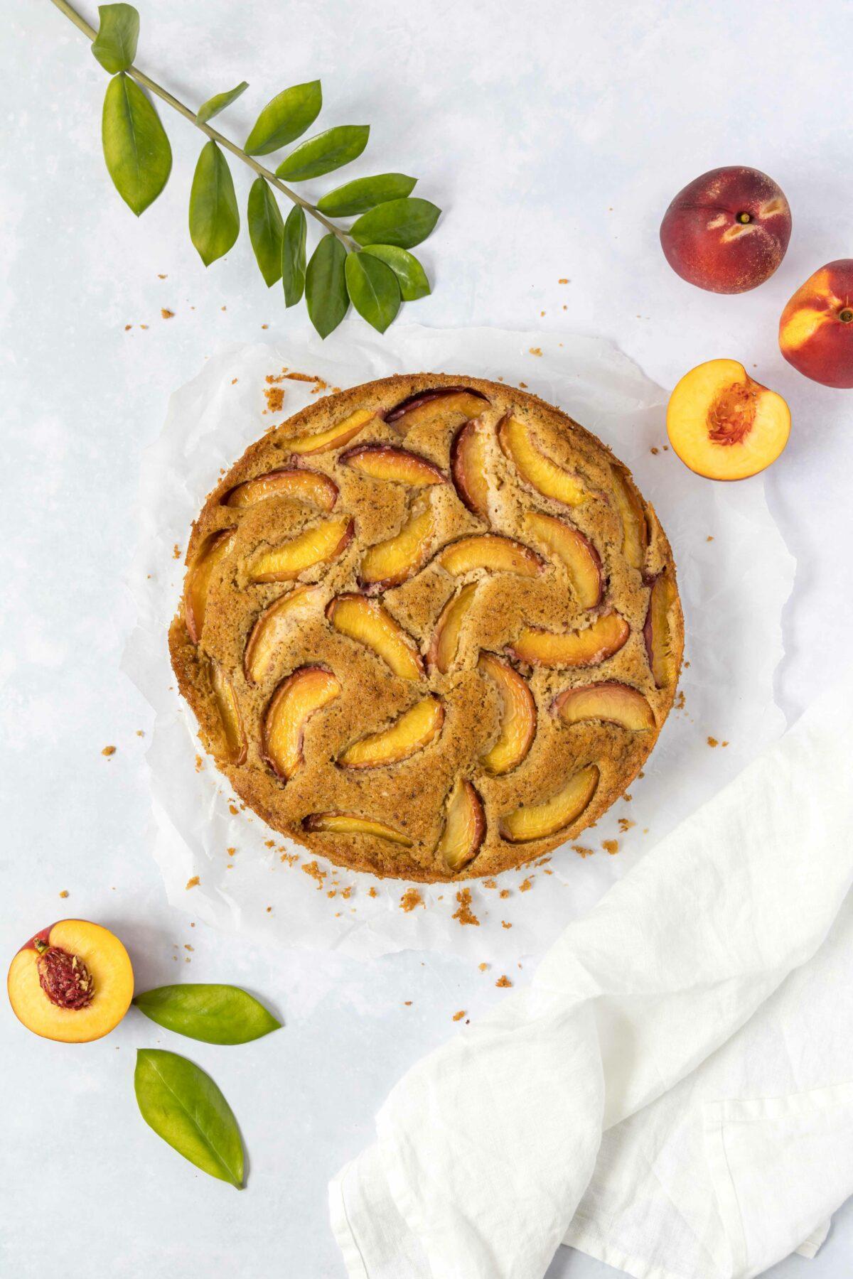 Nektarinen Haselnuss Kuchen / Nectarine and hazelnut cake by https://babyrockmyday.com/nektarinen-haselnuss-kuchen/